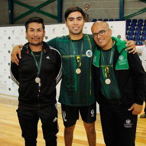 guillermo-gonzalez-dt-damas-voleibol-iquique-johao-rodriguez-jonathan-ortega-voleibol-iquique-1-lugar