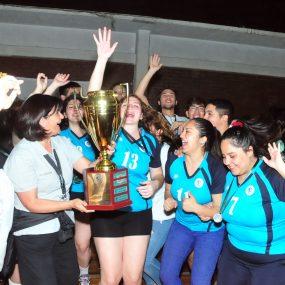 UST Santiago obtuvo la Copa Franco Carcuro Urresti al juego limpio.
